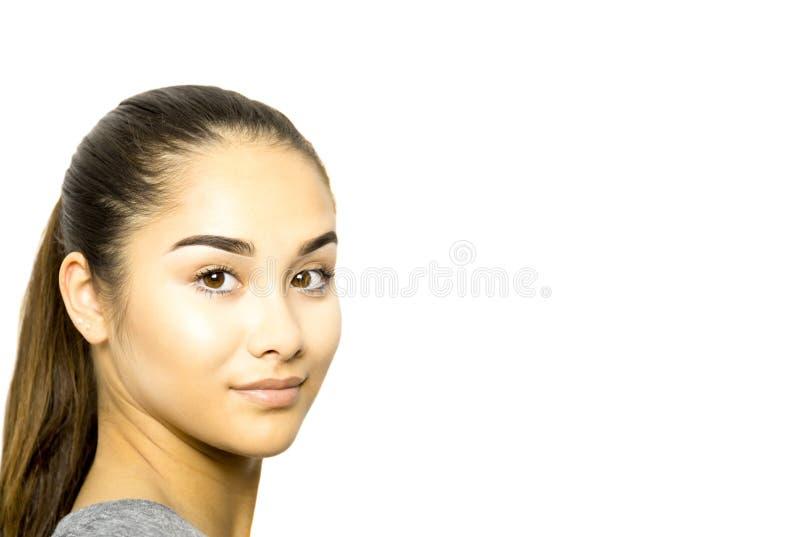 Cara bonita da jovem mulher da raça misturada isolada imagem de stock royalty free