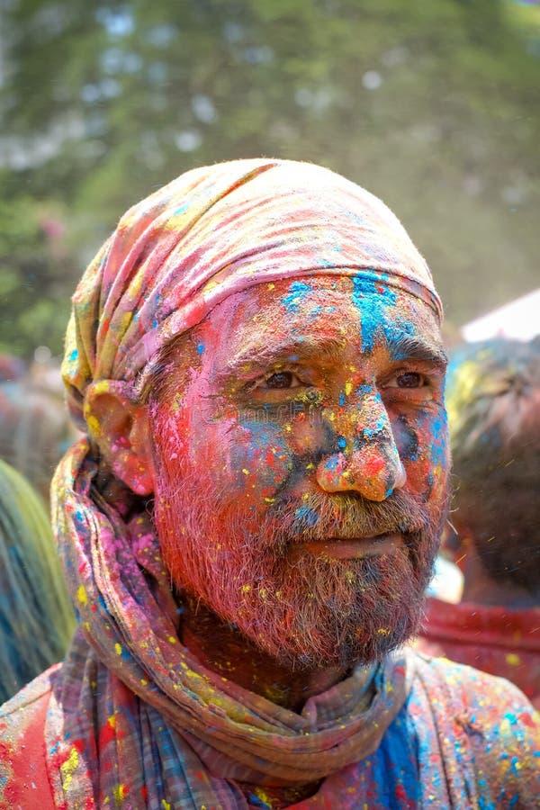 Cara colorida durante el festival de Holi foto de archivo libre de regalías