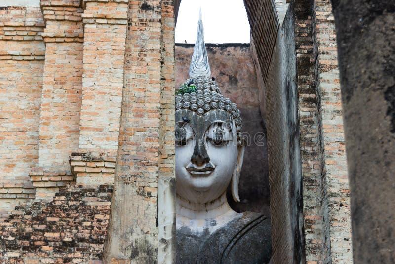 A cara da Buda grande em Sukhothai Tailândia imagem de stock royalty free