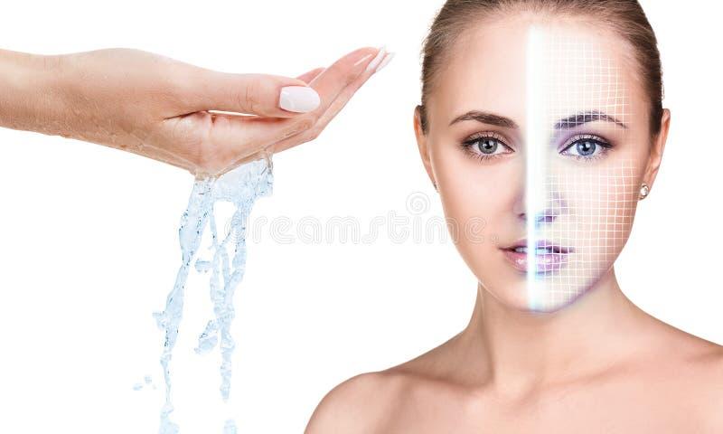 Cara da mulher com grade de levantamento e água de derramamento à disposição foto de stock royalty free