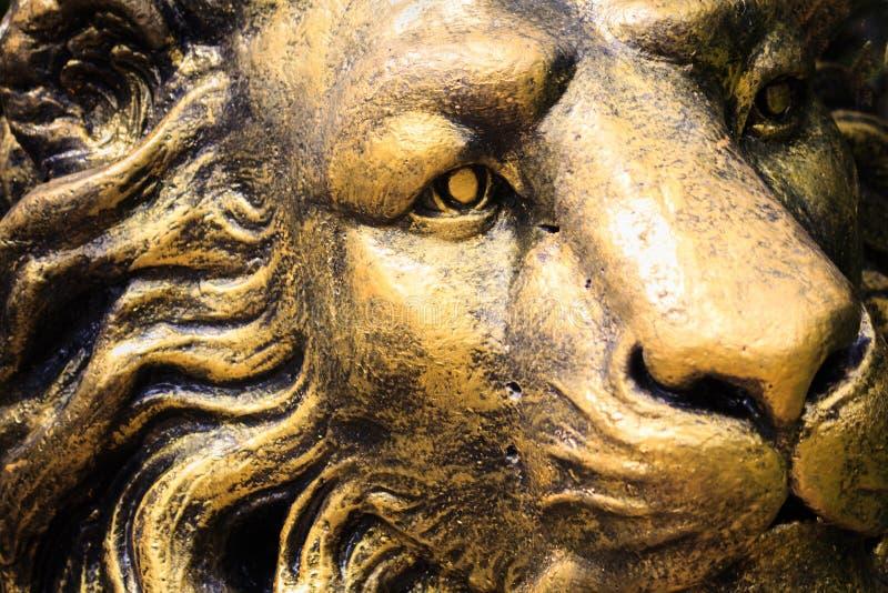 Cara da pedra do leão da estátua imagens de stock