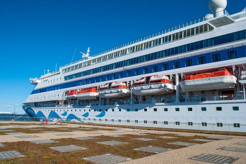 Cara de Aida do navio de cruzeiros no porto de Copenhaga foto de stock