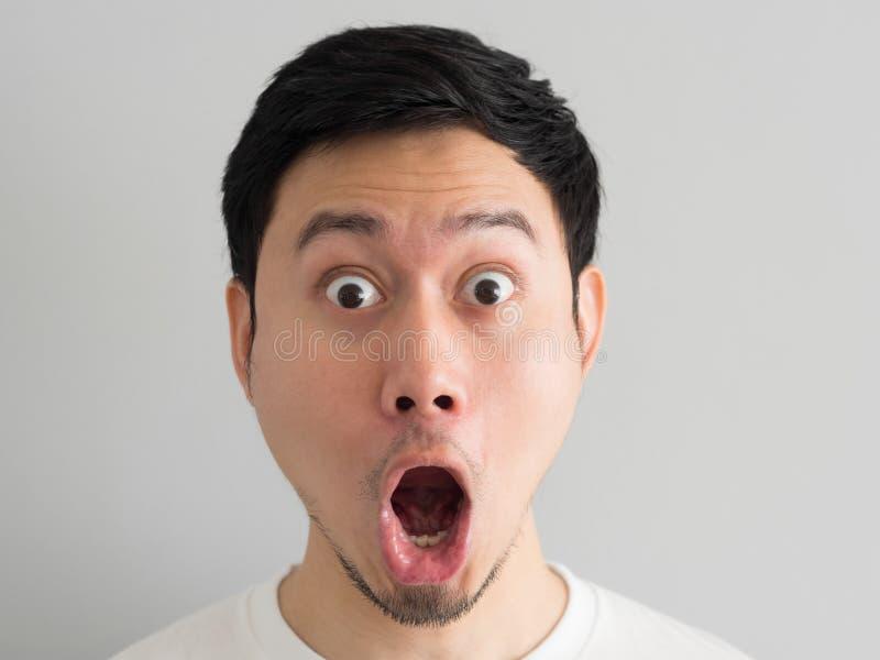 Cara de choque do tiro da cabeça do homem fotos de stock royalty free