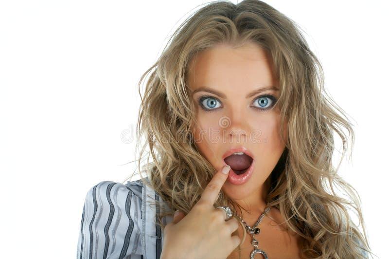 Cara de la maravilla de la mujer de la belleza con la boca abierta imagenes de archivo