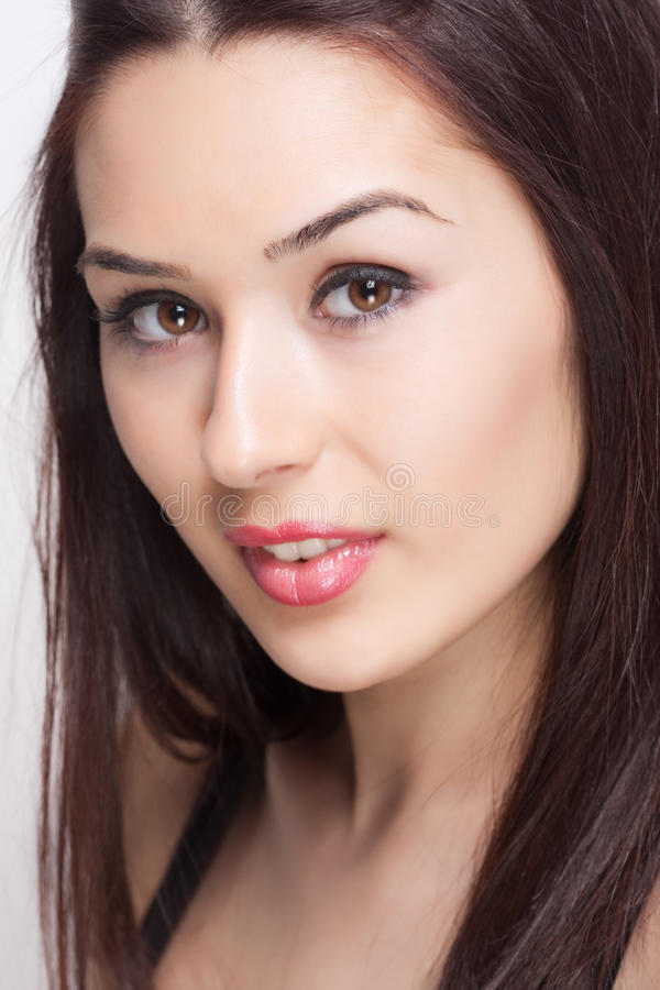 Cara de la mujer joven atractiva hermosa fresca foto de archivo libre de regalías