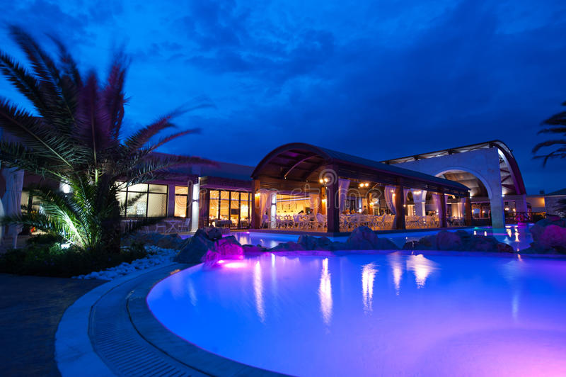 Cara de la piscina de la noche imagen de archivo