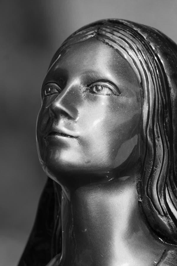 Cara de una mujer (estatua) foto de archivo libre de regalías