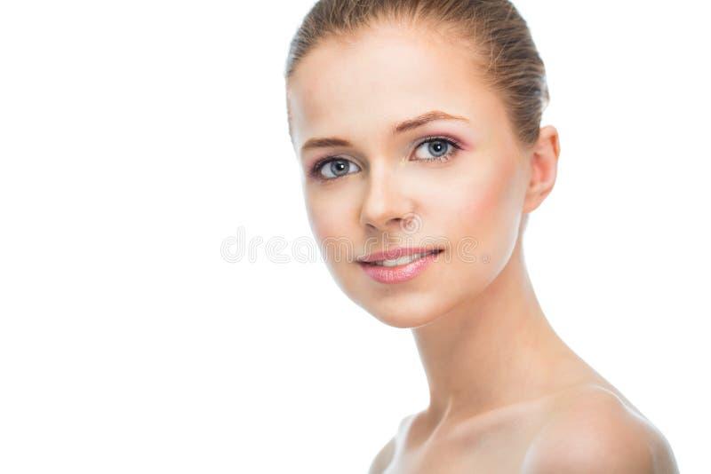 Cara de una mujer joven hermosa imagen de archivo libre de regalías