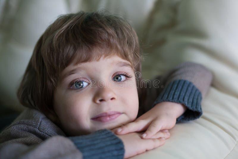 Cara del niño pequeño, diversión, cierre para arriba imágenes de archivo libres de regalías