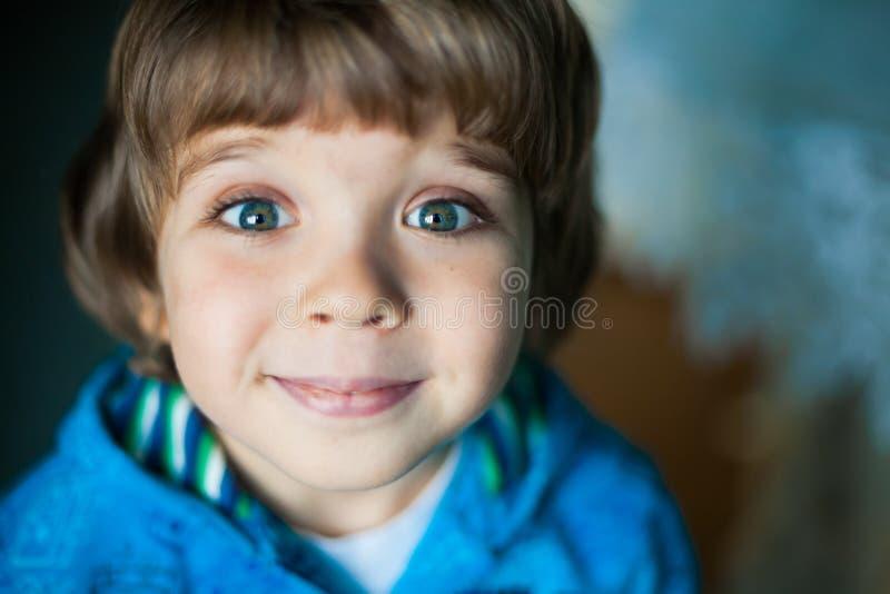 Cara del niño pequeño, diversión, cierre para arriba fotos de archivo