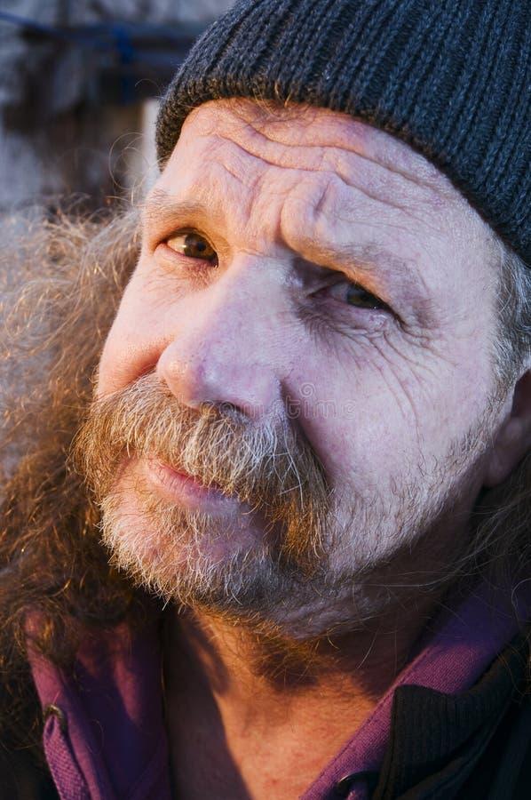 Cara del viejo hombre barbudo imagen de archivo libre de regalías