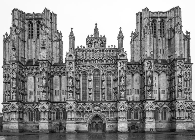 A cara dianteira ocidental da catedral de Wells, Somerset England imagens de stock royalty free