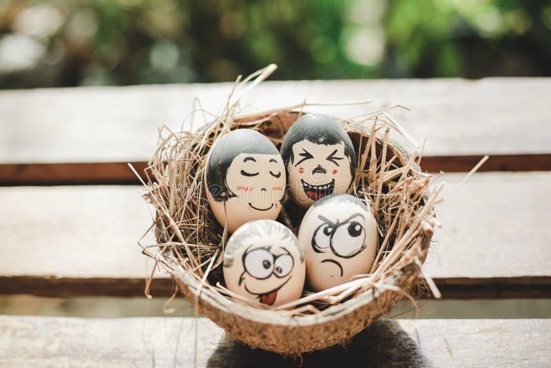 Cara divertida del huevo fotografía de archivo