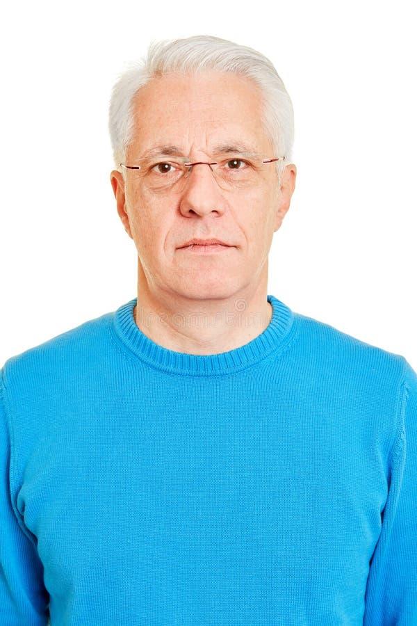 A cara do sênior como uma foto biométrica do passaporte fotos de stock royalty free