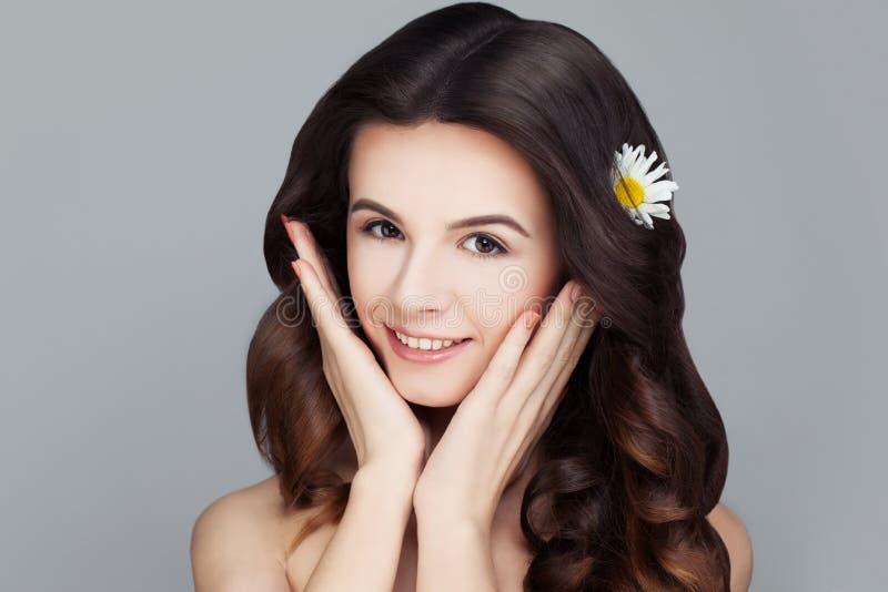 Cara dos termas Mulher saudável com pele clara Skincare fotografia de stock royalty free