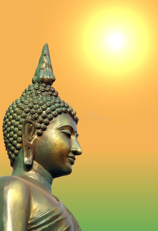Cara e cabeça da estátua verde dourada da Buda fotografia de stock royalty free