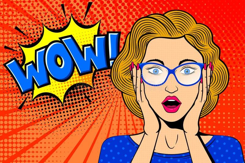 Cara f?mea surpreendida pop art Mulher loura c?mica nos vidros com wow! bolha do discurso ilustração royalty free