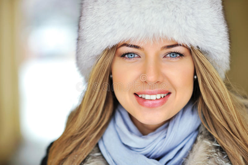 Cara hermosa de la muchacha foto de archivo