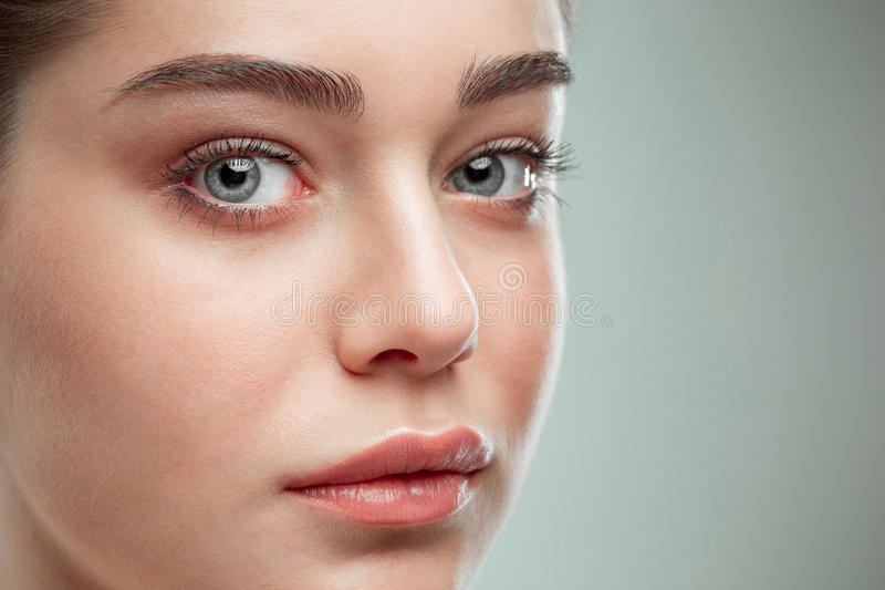 Cara hermosa de la muchacha Piel perfecta imagenes de archivo