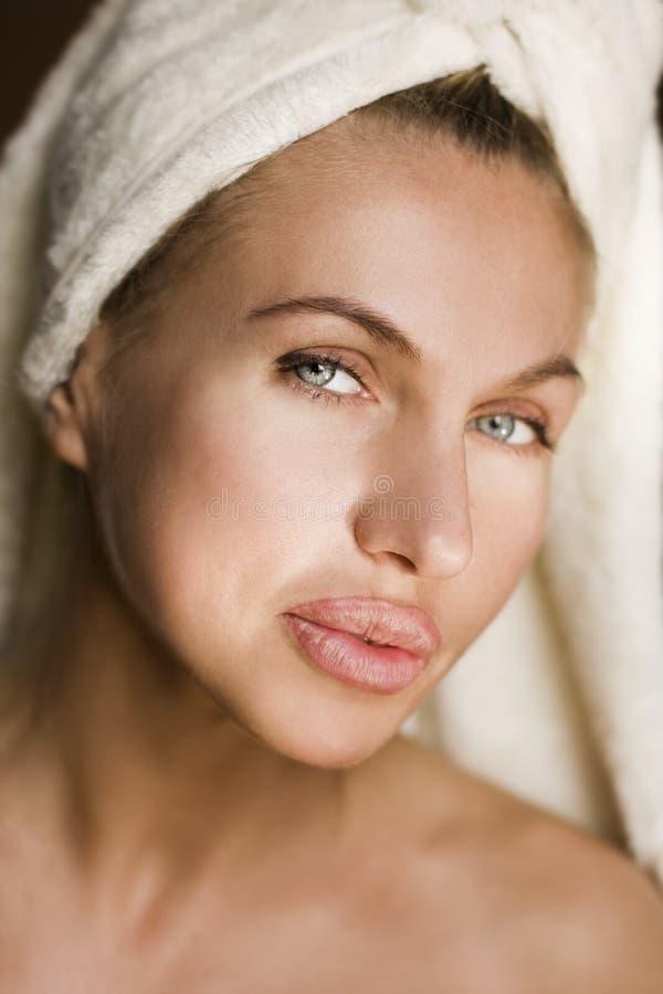 Cara hermosa de la mujer de la salud foto de archivo libre de regalías