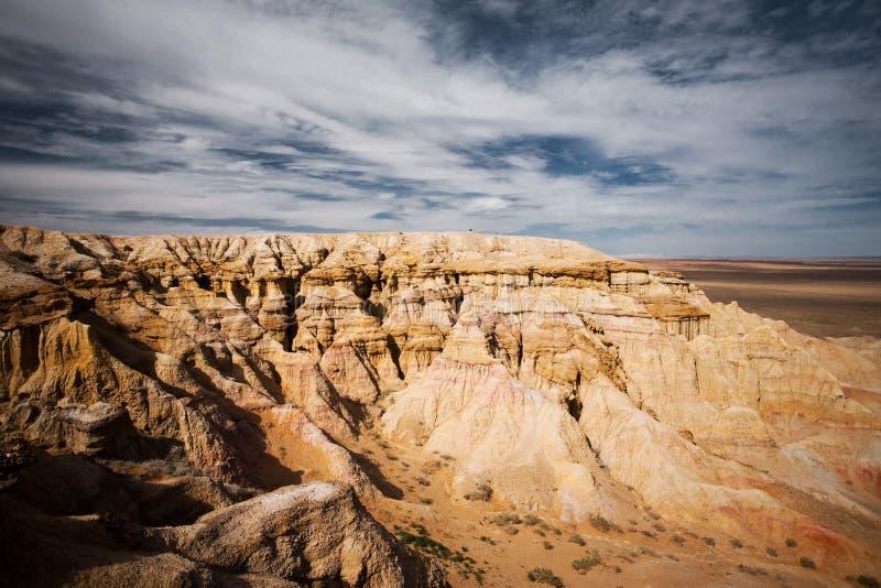 Cara llameante de Mongolia del desierto de Gobi de los acantilados de Bayanzag foto de archivo libre de regalías