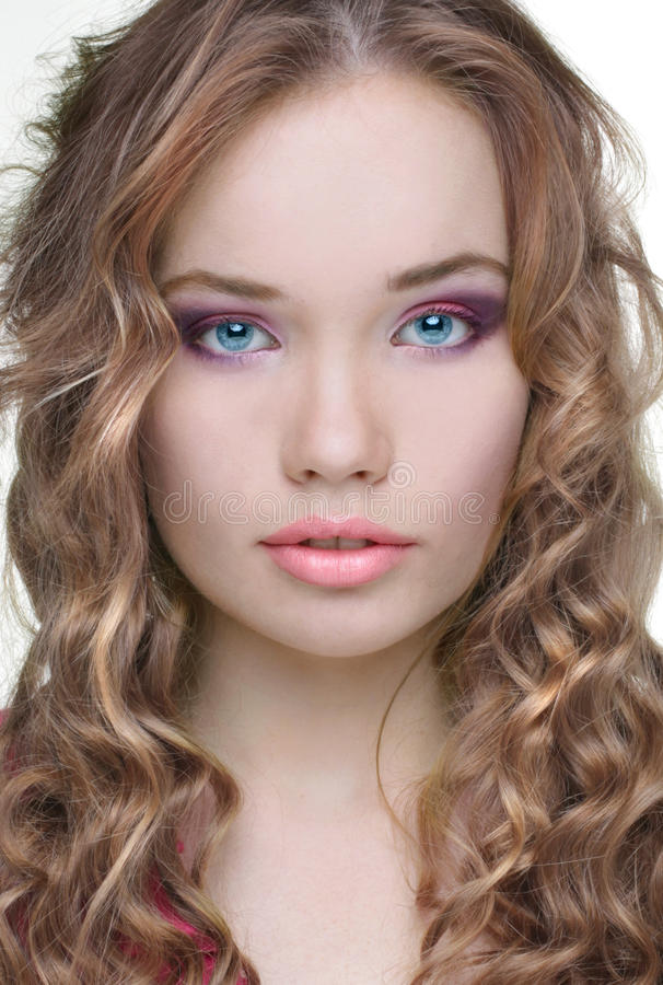 Cara. Maquillaje de la mujer hermosa sensual fotografía de archivo libre de regalías