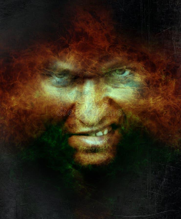 Cara masculina enojada asustadiza sobre el fuego del infierno imagenes de archivo