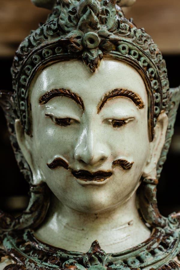Cara masculina tailandesa do ângulo imagens de stock