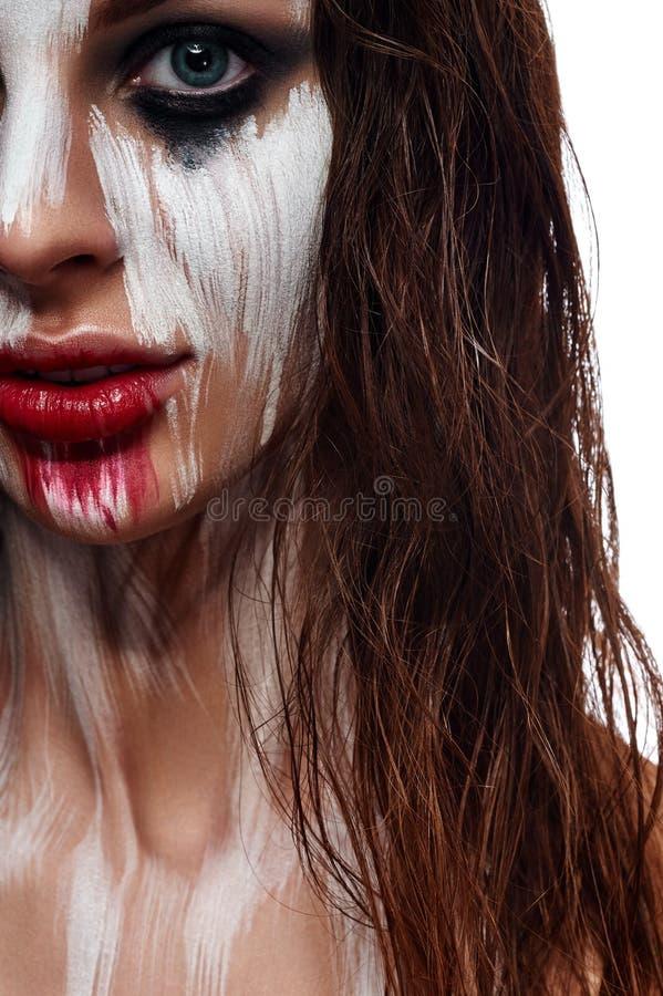 Cara pintada do cabelo mulher molhada imagem de stock royalty free