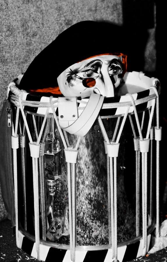 Cara triste del payaso en el tambor imágenes de archivo libres de regalías