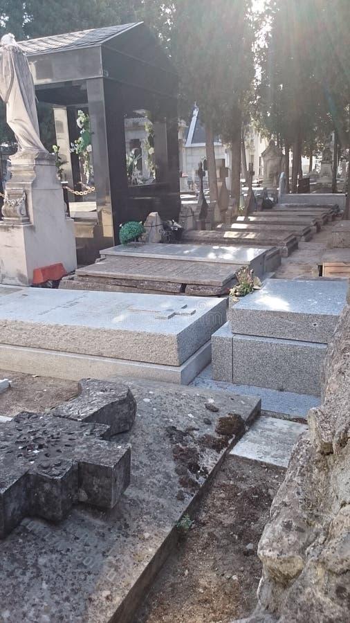 Carabanchel ` s公墓,马德里坟墓和墓碑 免版税库存照片