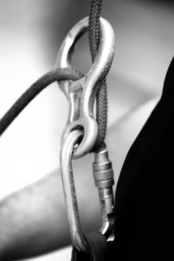 Carabine s'élevante avec une corde photo stock