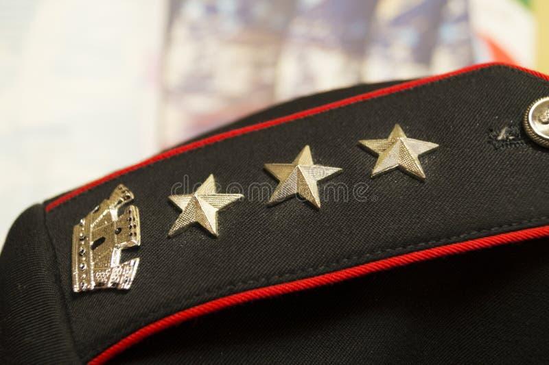 Carabinieremostrine av den italienska carabinierien arkivbilder