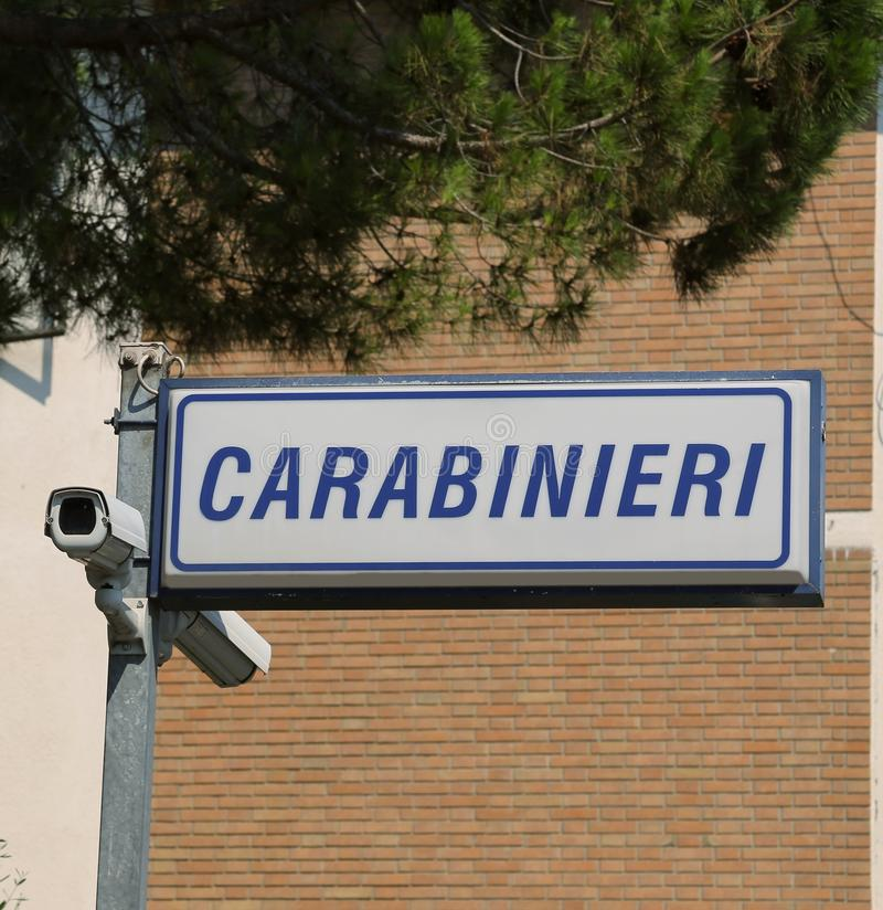 CARABINIERI post in Italië dat een politiemacht in terri is royalty-vrije stock afbeeldingen