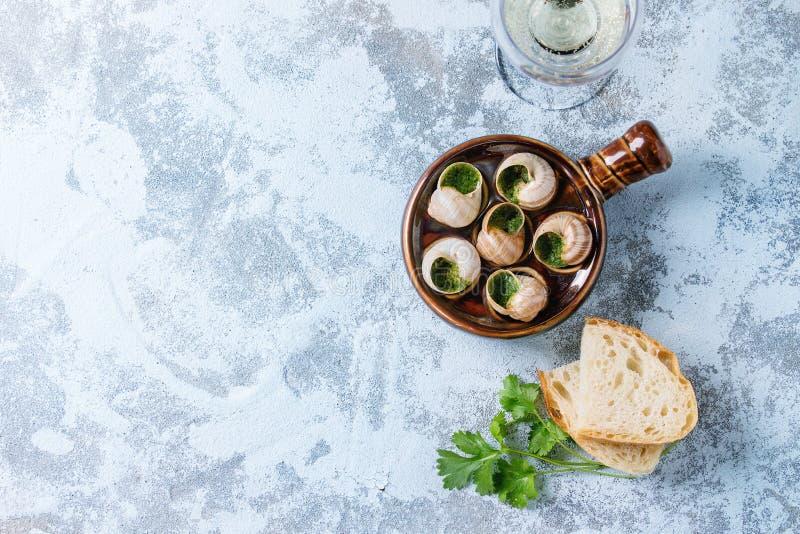 Caracóis prontos para comer de Escargot de Bourgogne imagem de stock royalty free
