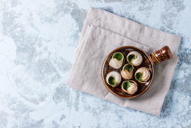 Caracóis prontos para comer de Escargot de Bourgogne fotos de stock royalty free