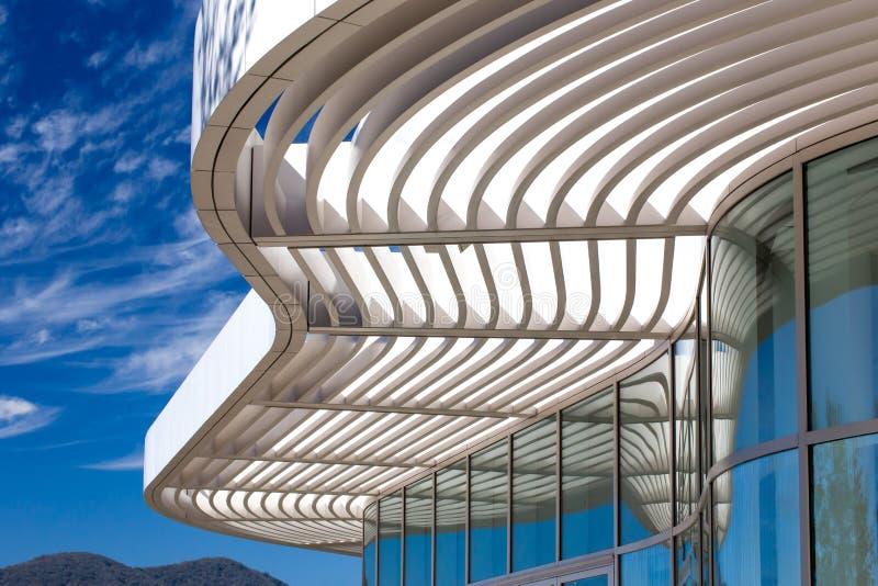 Características arquitetónicas do centro de Getty fotografia de stock royalty free