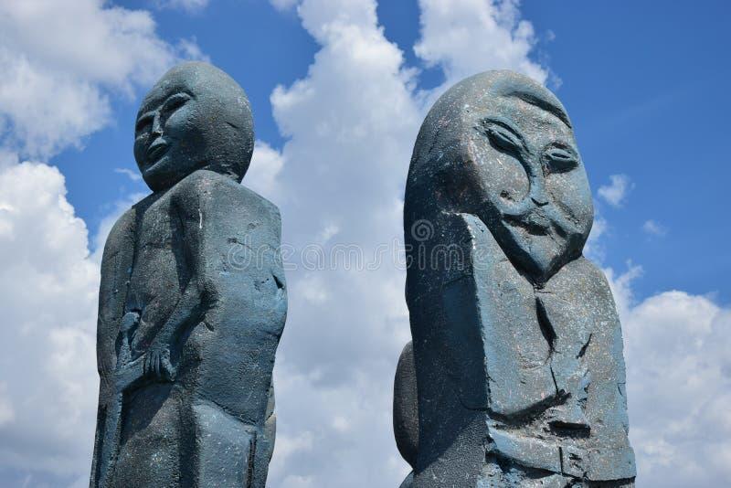 Caracterização da instalação uma estátua de antepassados falecidos fotos de stock