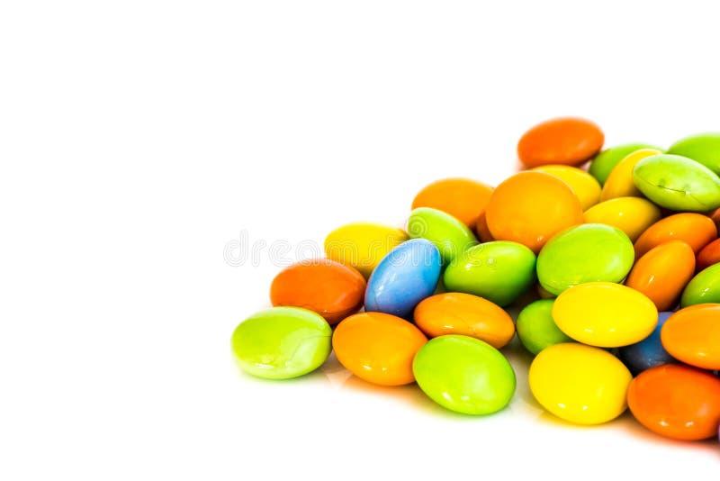 Download Caramella Dolce Di Colore Su Fondo Bianco Immagine Stock - Immagine di arancione, cioccolato: 55357803
