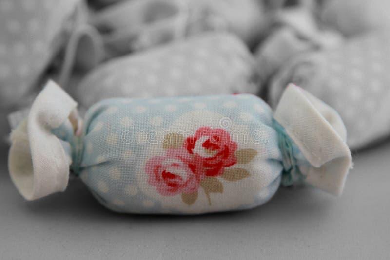 Caramelo de algodón para la pieza de la decoración interior coloreada imagen de archivo libre de regalías