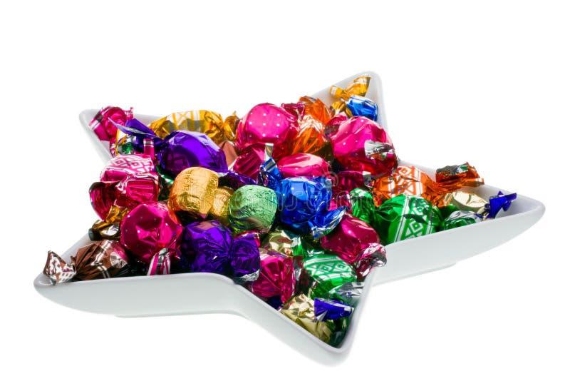 Caramelo de chocolate en un plato. fotografía de archivo libre de regalías