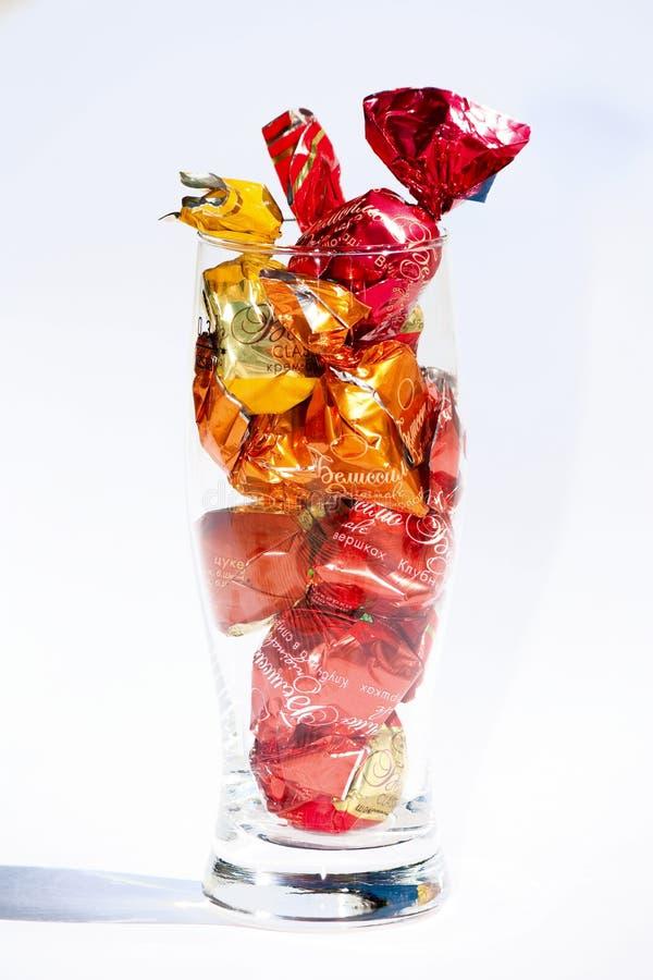 Caramelo de los dulces en vidrio imagenes de archivo