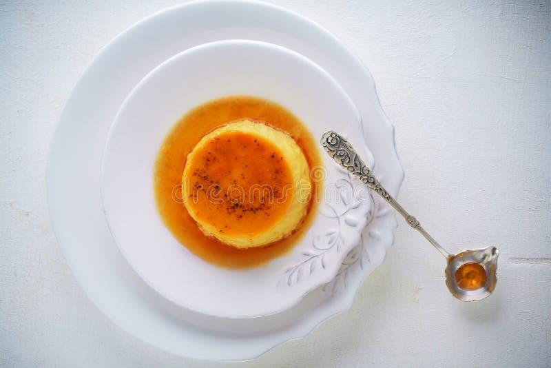 Caramelo de nata flan fotos de stock royalty free