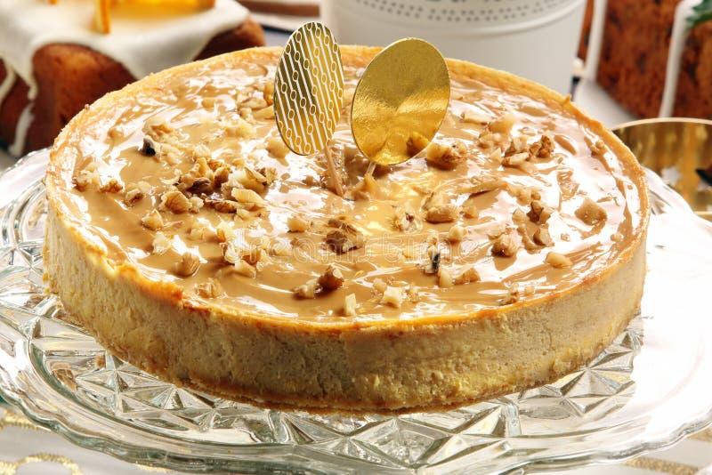 Caramelo del pastel de queso de la Navidad con las nueces fotografía de archivo