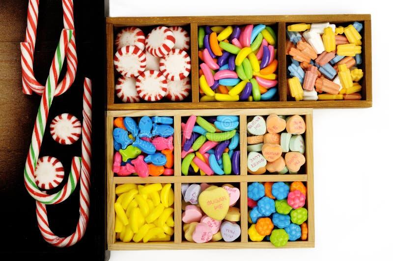 Caramelo en caja de madera imágenes de archivo libres de regalías