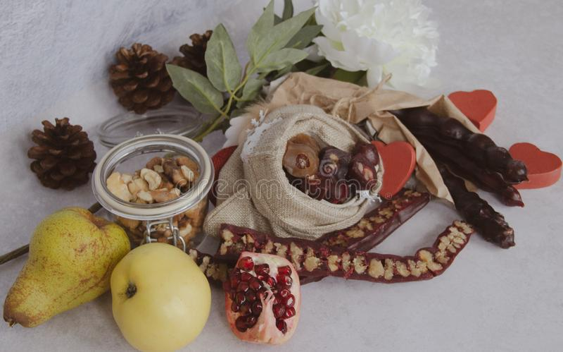 Caramelo vela-formado georgiano tradicional Churchkhela imágenes de archivo libres de regalías
