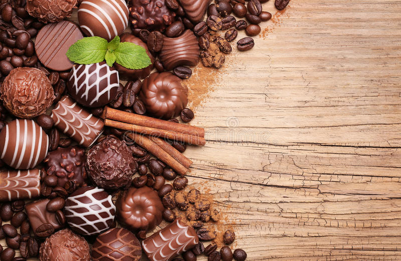 Caramelos de chocolate Colección de trufas belgas hermosas foto de archivo