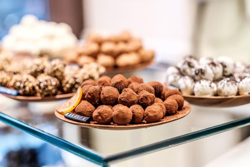 Caramelos de la trufa de chocolate foto de archivo