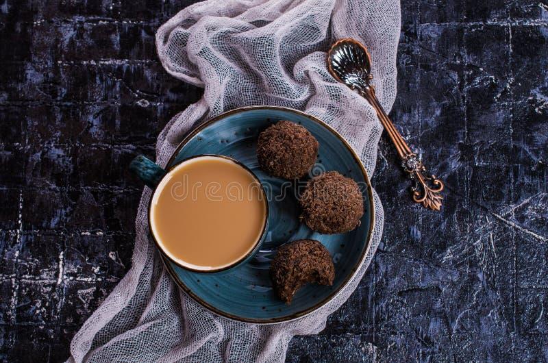 Caramelos en chocolate fotografía de archivo