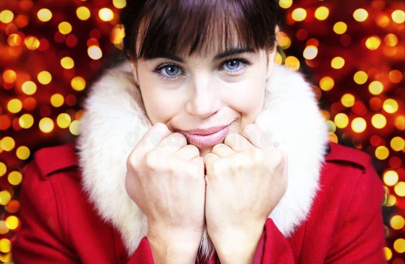 Caramente retrato da mulher para o Natal fotos de stock